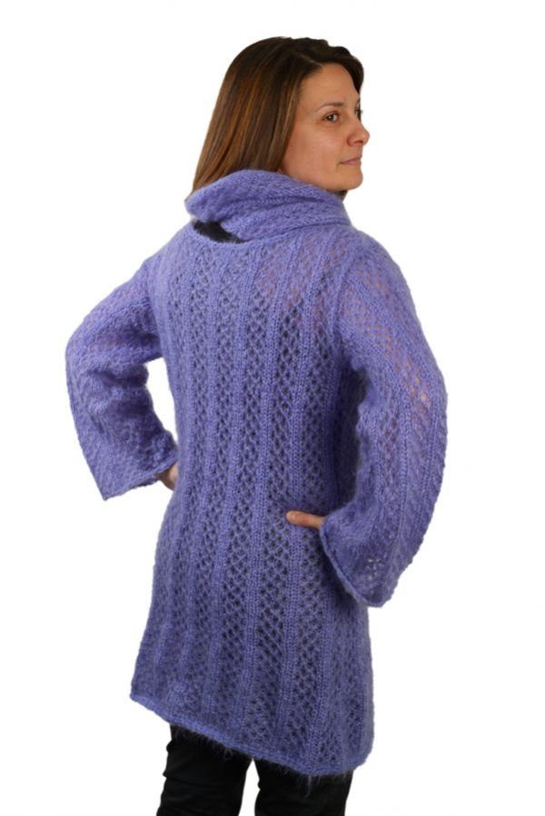 Robe pull tricotee mohair et soie femme avec col roule violet dos
